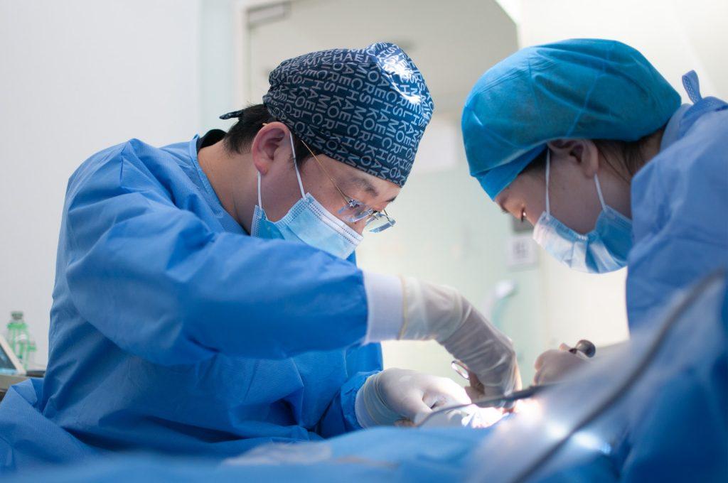 doctores en operacion